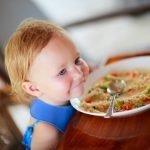 Academia de Nutrición y Dietética: alimentación de bebés y niños pequeños vegetarianos y veganos